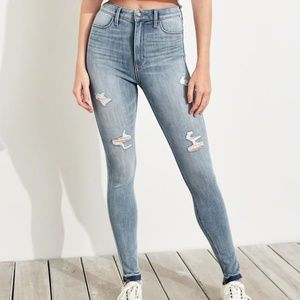 HOLLISTER Ultra High-Rise Destroyed Skinny Jeans 1